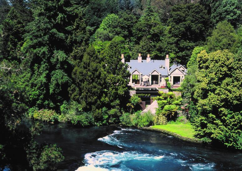 Huka Lodge Owners Cottage cropped